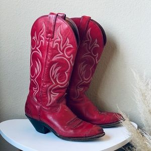 VTG red cowgirl boots